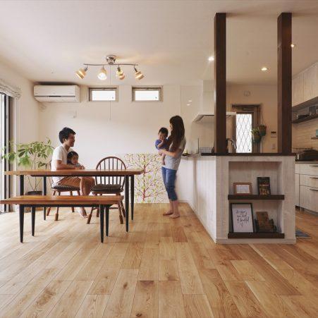 自然を一望できるキッチンの家