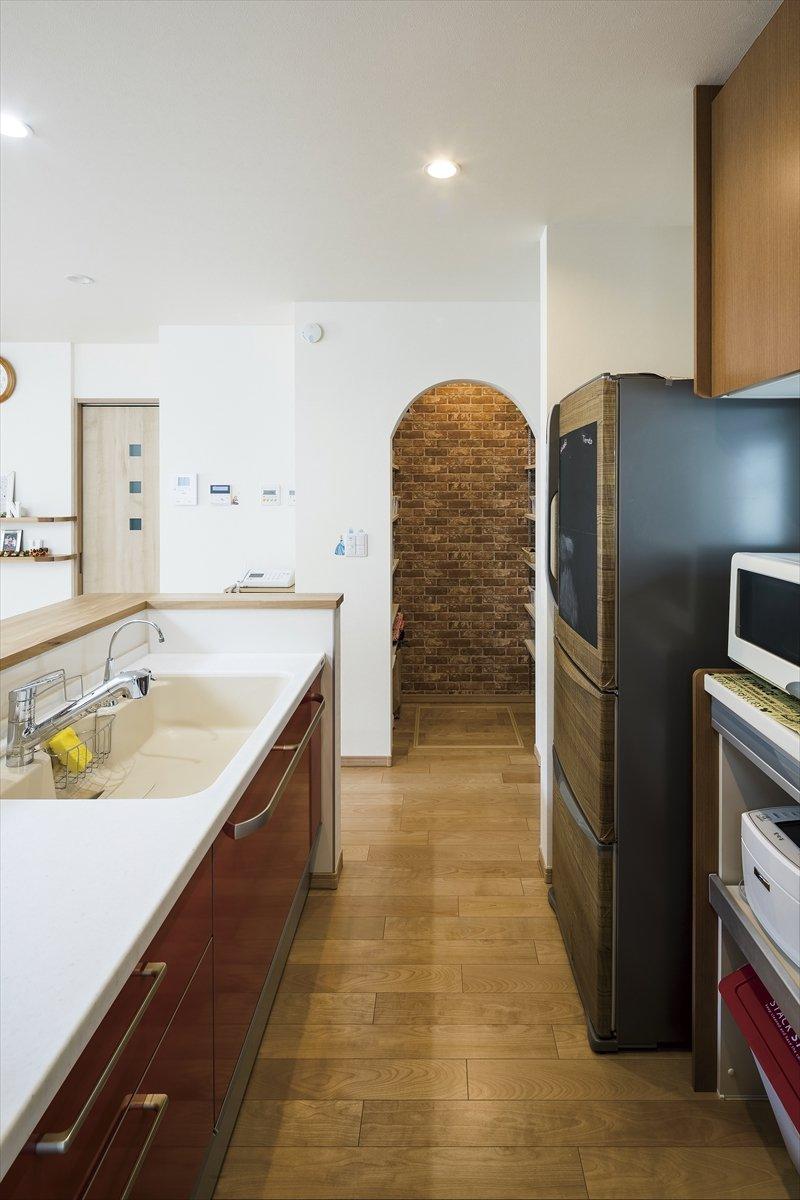 丸窓の家 キッチン