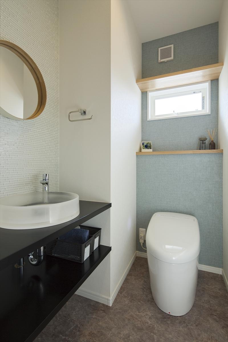 家族を見守るキッチンの家 トイレ