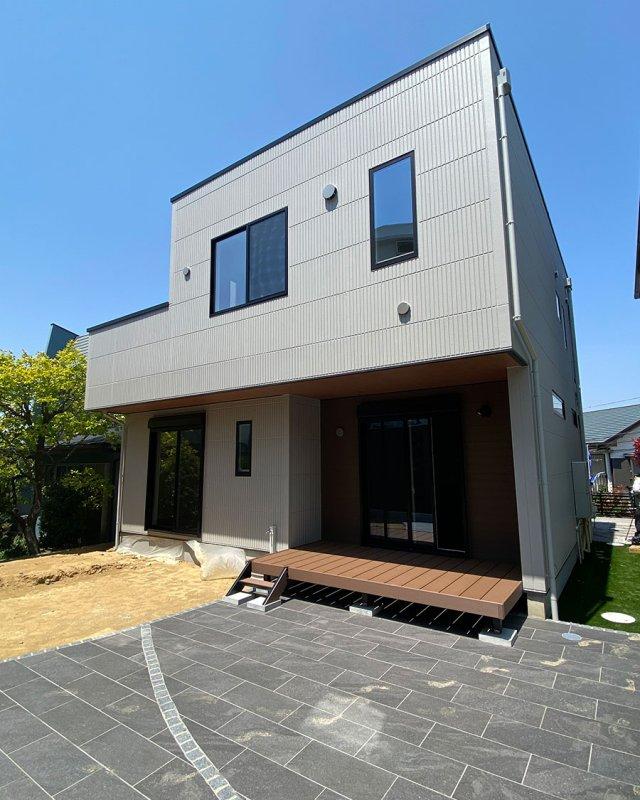 つくし野モデルハウス-ウッドデッキと庭